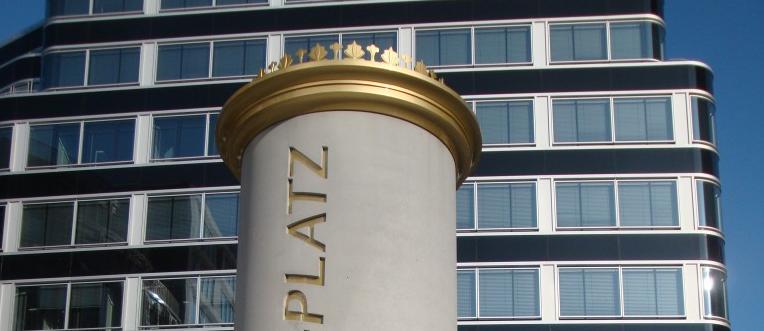 Litfasssäule Alexanderplatz